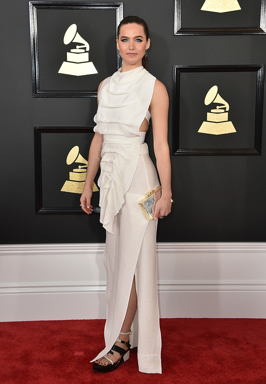 . Sophie Hawley-Weld, of Soffi Tukker, arrives at the 59th annual Grammy Awards at the Staples Center on Sunday, Feb. 12, 2017, in Los Angeles. (Photo by Jordan Strauss/Invision/AP)