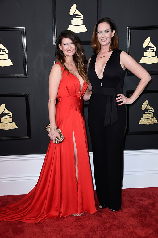 . LOS ANGELES, CA - FEBRUARY 12:  Art directors Shauna Dodds and Sarah Dodds attend The 59th GRAMMY Awards at STAPLES Center on February 12, 2017 in Los Angeles, California.  (Photo by Frazer Harrison/Getty Images)