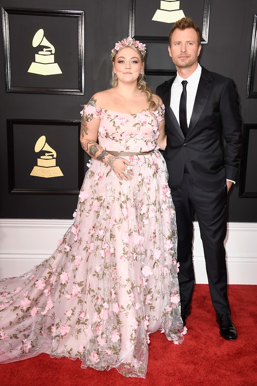 . LOS ANGELES, CA - FEBRUARY 12:  Singers Elle King (L) and Dierks Bentley attend The 59th GRAMMY Awards at STAPLES Center on February 12, 2017 in Los Angeles, California.  (Photo by Frazer Harrison/Getty Images)