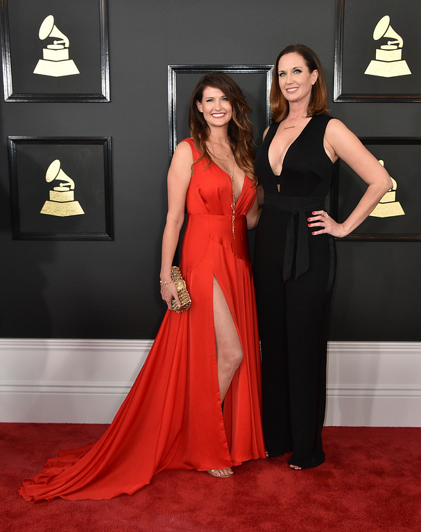 . Sarah Dodds, left, and Shauna Dodds arrive at the 59th annual Grammy Awards at the Staples Center on Sunday, Feb. 12, 2017, in Los Angeles. (Photo by Jordan Strauss/Invision/AP)