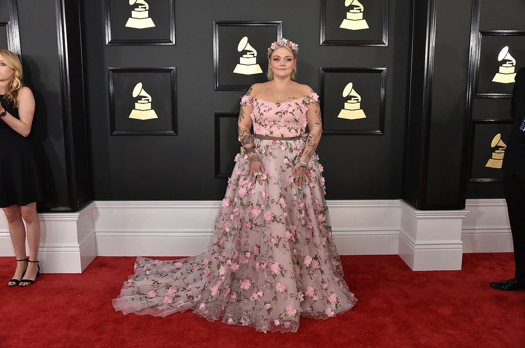 . Elle King arrives at the 59th annual Grammy Awards at the Staples Center on Sunday, Feb. 12, 2017, in Los Angeles. (Photo by Jordan Strauss/Invision/AP)