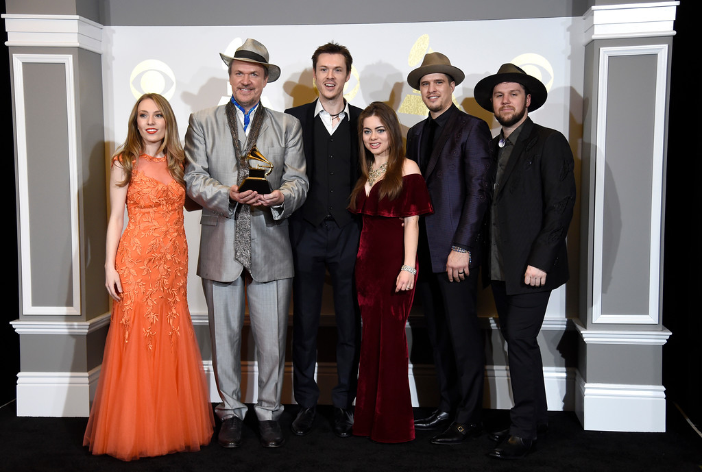 """. Maggie O\'Connor, from left, Mark O\'Connor, Forrest O\'Connor, Kate Lee, Joe Smart, Geoff Saunders of O\'Connor Band pose in the press room with the award for best bluegrass album for \""""Coming Home\"""" at the 59th annual Grammy Awards at the Staples Center on Sunday, Feb. 12, 2017, in Los Angeles. (Photo by Chris Pizzello/Invision/AP)"""