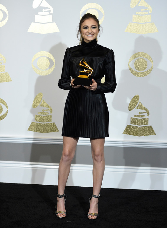 """. Daya poses in the press room with the award for best dance recording for \""""Don\'t Let Me Down\"""" at the 59th annual Grammy Awards at the Staples Center on Sunday, Feb. 12, 2017, in Los Angeles. (Photo by Chris Pizzello/Invision/AP)"""