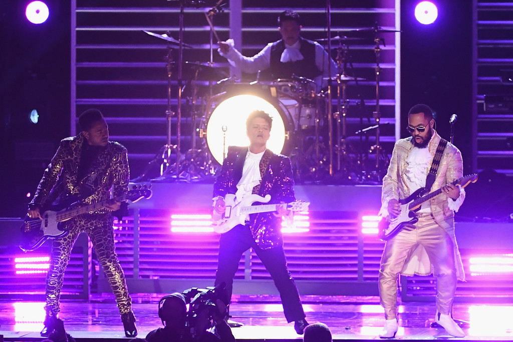 . LOS ANGELES, CA - FEBRUARY 12:  Recording artist Bruno Mars (C) performs onstage during The 59th GRAMMY Awards at STAPLES Center on February 12, 2017 in Los Angeles, California.  (Photo by Kevin Winter/Getty Images for NARAS)