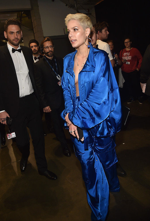 . LOS ANGELES, CA - FEBRUARY 12:  Singer Halsey attends The 59th GRAMMY Awards at STAPLES Center on February 12, 2017 in Los Angeles, California.  (Photo by Alberto E. Rodriguez/Getty Images for NARAS)