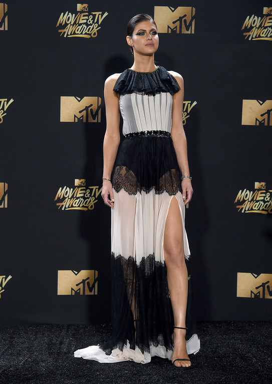 . Alexandra Daddario arrives at the MTV Movie and TV Awards at the Shrine Auditorium on Sunday, May 7, 2017, in Los Angeles. (Photo by Richard Shotwell/Invision/AP)
