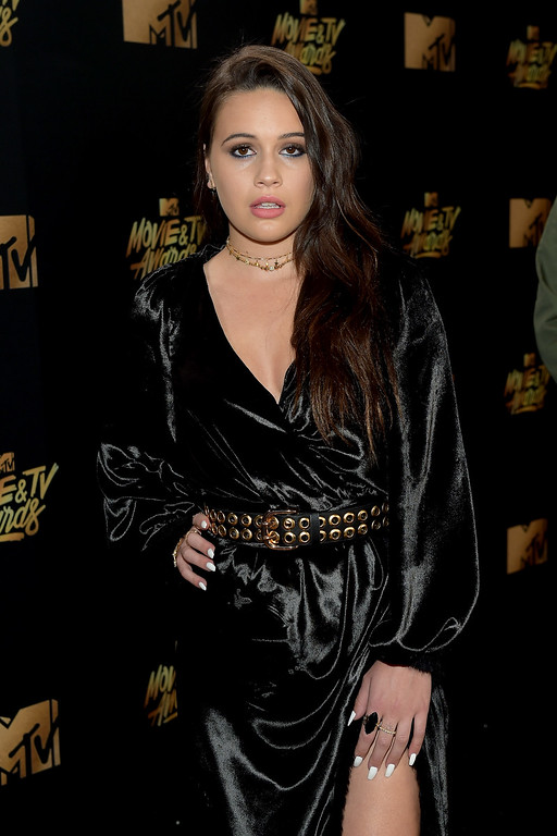 . LOS ANGELES, CA - MAY 07:  Singer Bea Miller attends the 2017 MTV Movie And TV Awards at The Shrine Auditorium on May 7, 2017 in Los Angeles, California.  (Photo by Matt Winkelmeyer/Getty Images)