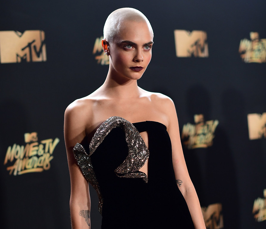 . LOS ANGELES, CA - MAY 07:  Actor Cara Delevingne attends the 2017 MTV Movie And TV Awards at The Shrine Auditorium on May 7, 2017 in Los Angeles, California.  (Photo by Matt Winkelmeyer/Getty Images)