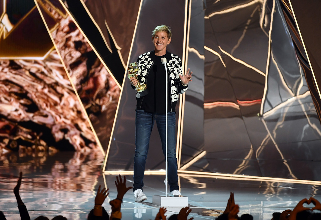 . INGLEWOOD, CA - AUGUST 27:  Ellen DeGeneres presents the Michael Jackson Video Vanguard Award onstage during the 2017 MTV Video Music Awards at The Forum on August 27, 2017 in Inglewood, California.  (Photo by Kevin Winter/Getty Images)