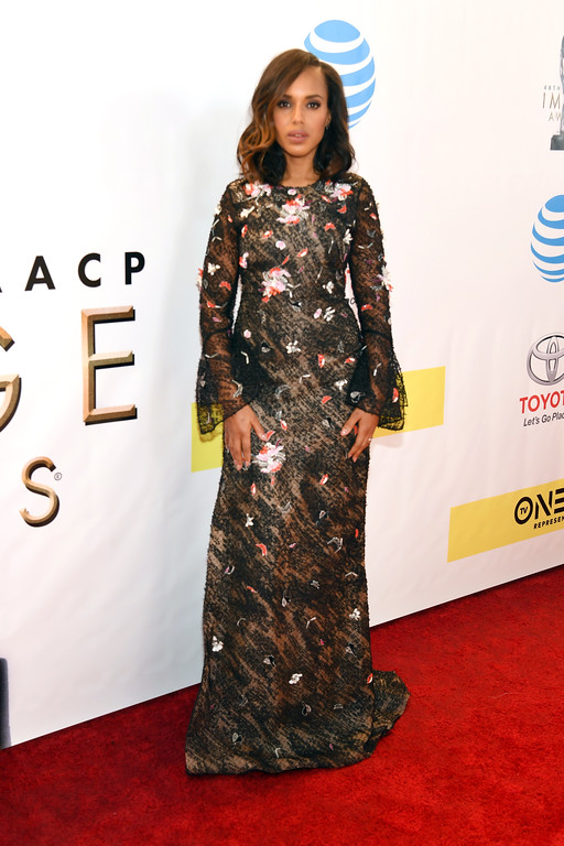 . PASADENA, CA - FEBRUARY 11:  Actress Kerry Washington attends the 48th NAACP Image Awards at Pasadena Civic Auditorium on February 11, 2017 in Pasadena, California.  (Photo by Paras Griffin/Getty Images )