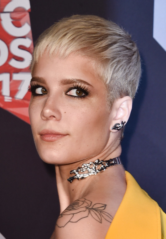 . INGLEWOOD, CA - MARCH 05:  Singer Halsey attends the 2017 iHeartRadio Music Awards which broadcast live on Turner\'s TBS, TNT, and truTV at The Forum on March 5, 2017 in Inglewood, California.  (Photo by Alberto E. Rodriguez/Getty Images)