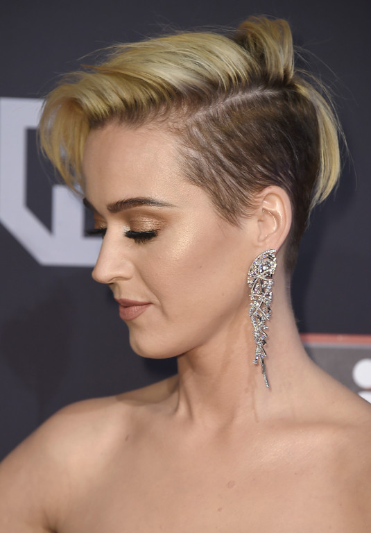 . Katy Perry arrives at the iHeartRadio Music Awards at the Forum on Sunday, March 5, 2017, in Inglewood, Calif. (Photo by Jordan Strauss/Invision/AP)