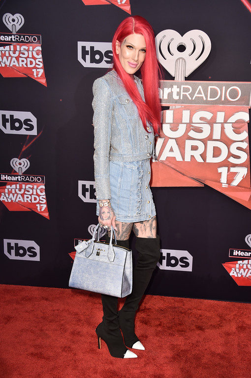 . INGLEWOOD, CA - MARCH 05:  Singer-songwriter Jeffree Star attends the 2017 iHeartRadio Music Awards which broadcast live on Turner\'s TBS, TNT, and truTV at The Forum on March 5, 2017 in Inglewood, California.  (Photo by Alberto E. Rodriguez/Getty Images)