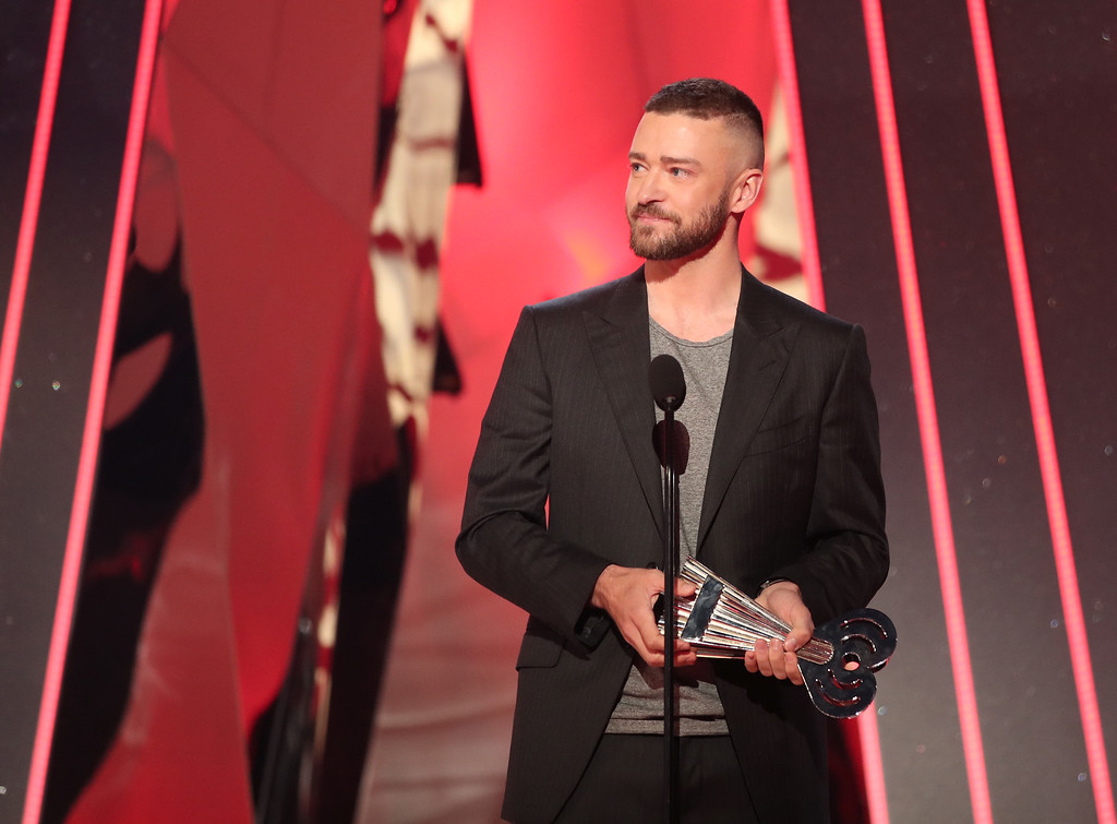 . INGLEWOOD, CA - MARCH 05:  Musician Justin Timberlake accepts the Song of the Year award for \'Can\'t Stop the Feeling!\' onstage at the 2017 iHeartRadio Music Awards which broadcast live on Turner\'s TBS, TNT, and truTV at The Forum on March 5, 2017 in Inglewood, California.  (Photo by Christopher Polk/Getty Images for iHeartMedia)