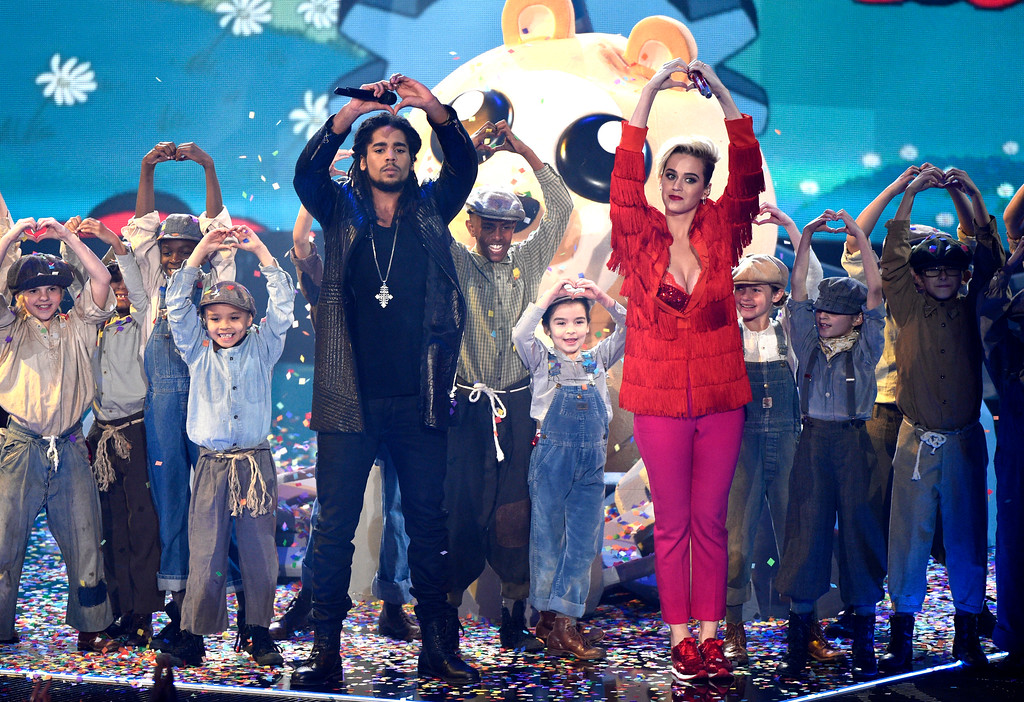". Skip Marley, left, and Katy Perry perform ""Chained to the Rhythm\"" during the iHeartRadio Music Awards at the Forum on Sunday, March 5, 2017, in Inglewood, Calif. (Photo by Chris Pizzello/Invision/AP)"