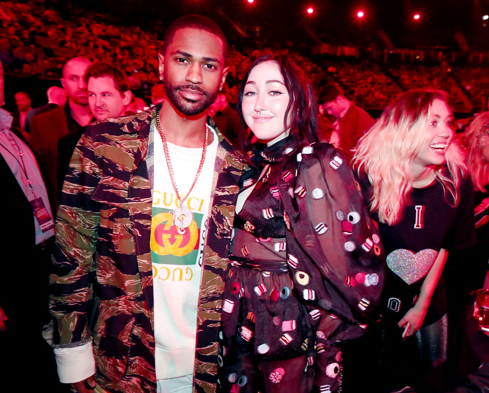 . INGLEWOOD, CA - MARCH 05:  (L-R) Recording artists Big Sean, Noah Cyrus, and Miley Cyrus pose at the 2017 iHeartRadio Music Awards which broadcast live on Turner\'s TBS, TNT, and truTV at The Forum on March 5, 2017 in Inglewood, California.  (Photo by Christopher Polk/Getty Images for iHeartMedia)