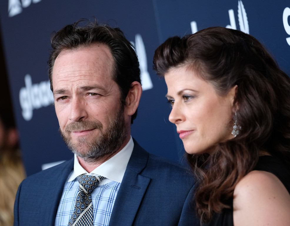 . Luke Perry and girlfriend attend the 28th annual GLAAD Media awards at the Beverly Hilton hotel in Beverly Hills, California,  April 1, 2017. (CHRIS DELMAS/AFP/Getty Images)