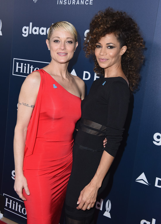 . BEVERLY HILLS, CA - APRIL 01:  Actors Teri Polo (L) and Sherri Saum attend the 28th Annual GLAAD Media Awards in LA at The Beverly Hilton Hotel on April 1, 2017 in Beverly Hills, California.  (Photo by Vivien Killilea/Getty Images for GLAAD)