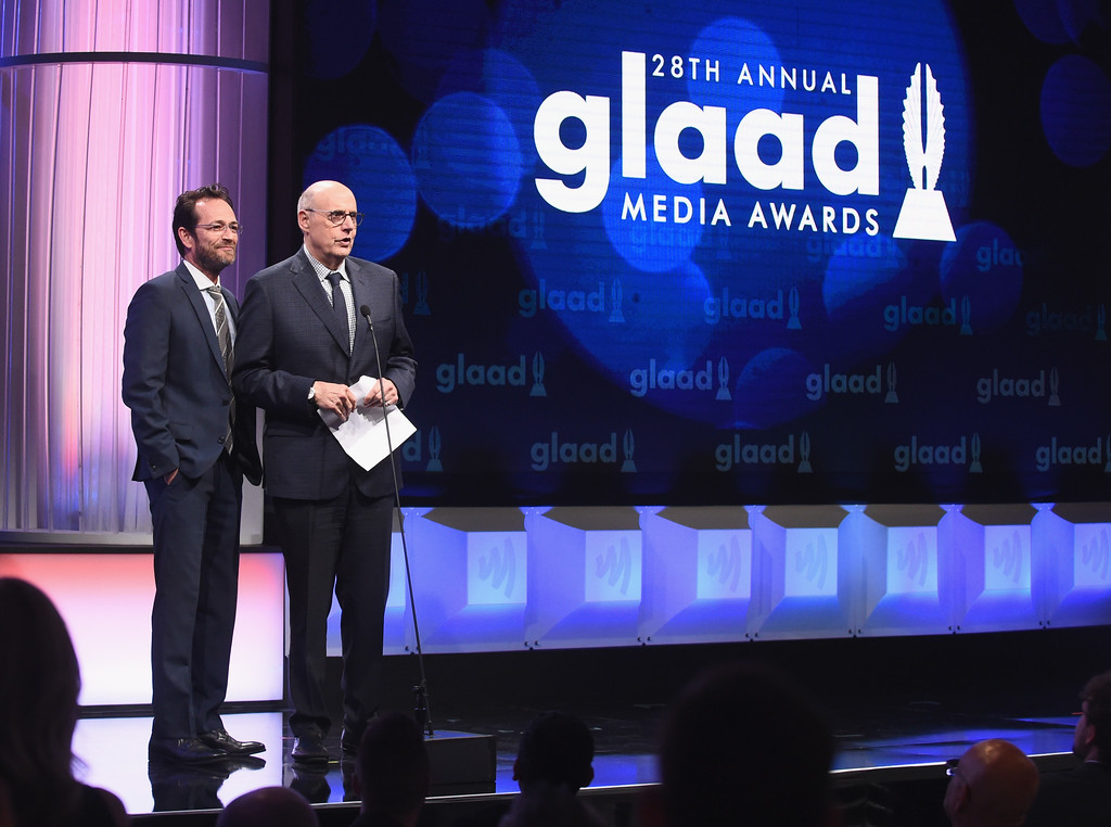 . BEVERLY HILLS, CA - APRIL 01:  Actors Luke Perry (L) and Jeffrey Tambor speak onstage during the 28th Annual GLAAD Media Awards in LA at The Beverly Hilton Hotel on April 1, 2017 in Beverly Hills, California.  (Photo by Emma McIntyre/Getty Images for GLAAD)