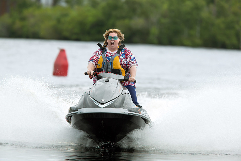 ". This image released by Warner Bros. Pictures shows Melissa McCarthy in a scene from ""Tammy.\"" (AP Photo/Warner Bros. Pictures, Michael Tackett)"
