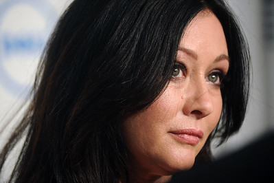 '90210' actress Shannen Doherty has breast cancer, lawsuit reveals