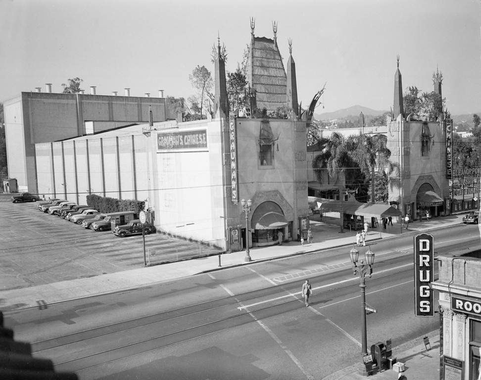 . This is a general view of Grauman\'s Chinese Theater on Hollywood Boulevard in Hollywood, Ca., Dec. 10, 1947.   (AP Photo)