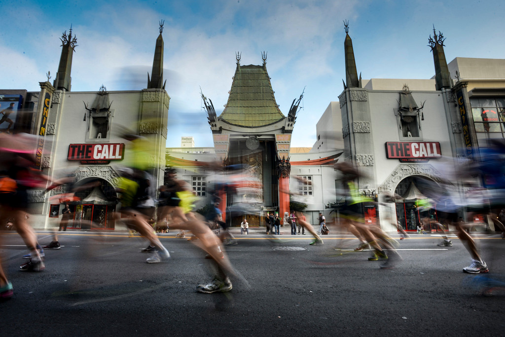 . Runners pass in front of the Chinese Theater on Hollywood blvd. during the 28th Los Angeles Marathon.  (Photo by David Crane/Los Angeles Daily News)