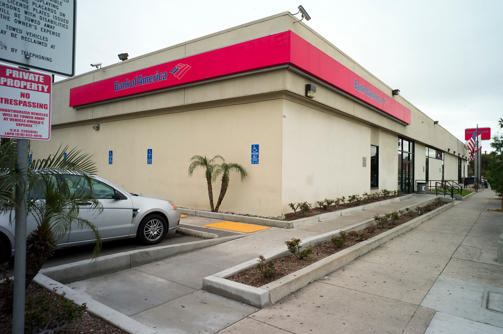 . The Bank of America, site of the North Hollywood shoot out is still one of the busiest branches.    (Photo by David Crane, Los Angeles Daily News/SCNG)