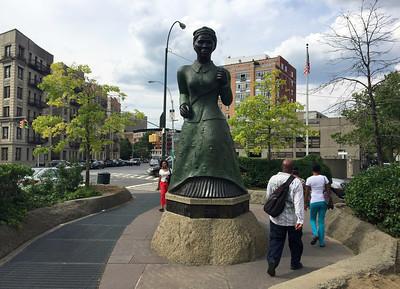 Travel-Trip-Neighborhoods-Harlem