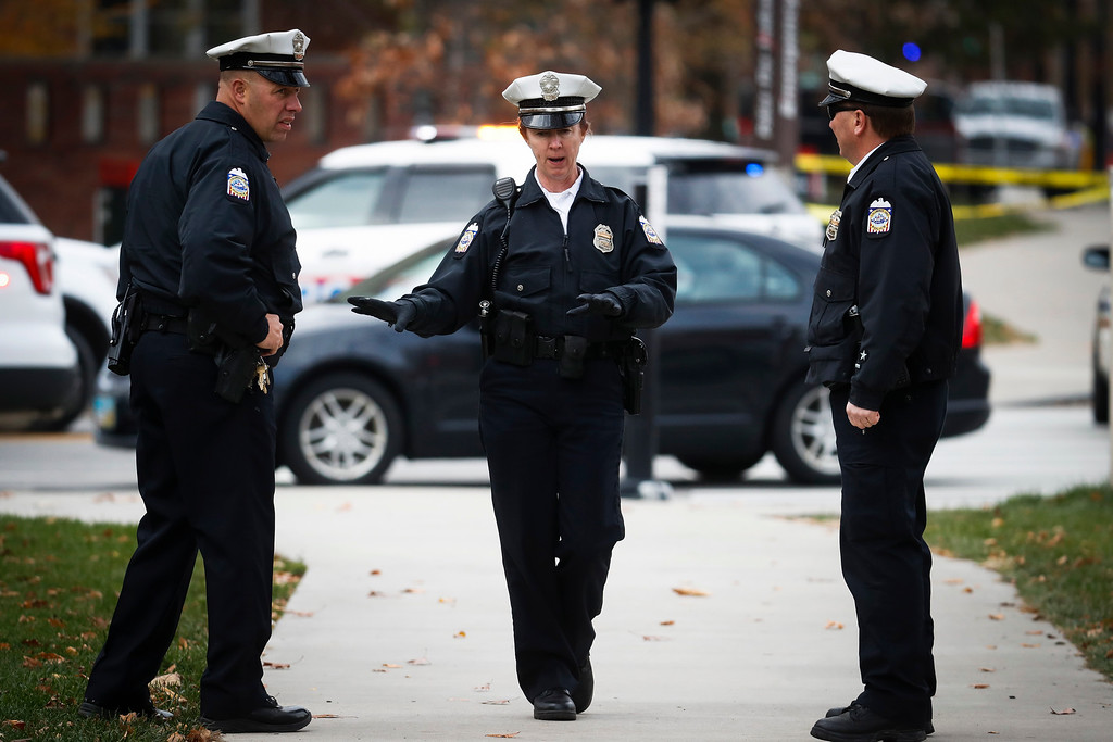 . Police respond to reports of an attack on campus at Ohio State University, Monday, Nov. 28, 2016, in Columbus, Ohio. (AP Photo/John Minchillo)