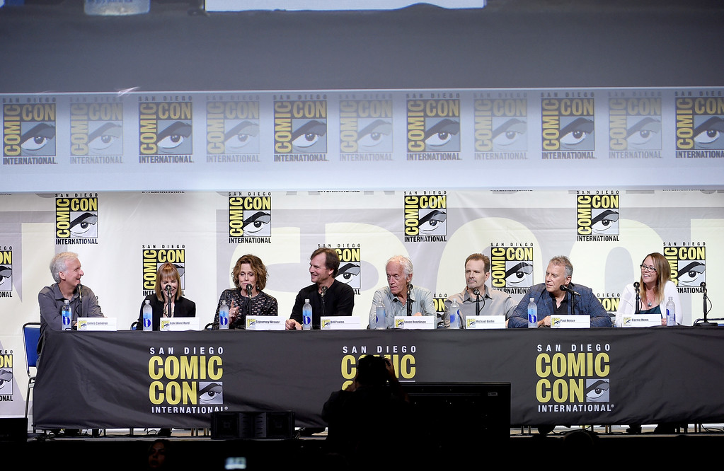 """. SAN DIEGO, CA - JULY 23:  (L-R) Director James Cameron, producer Gale Anne Hurd, actors Sigourney Weaver, Bill Paxton, Lance Henriksen, Michael Biehn, Paul Reiser, and Carrie Henn attend the \""""Aliens: 30th Anniversary\"""" panel during Comic-Con International 2016 at San Diego Convention Center on July 23, 2016 in San Diego, California.  (Photo by Kevin Winter/Getty Images)"""