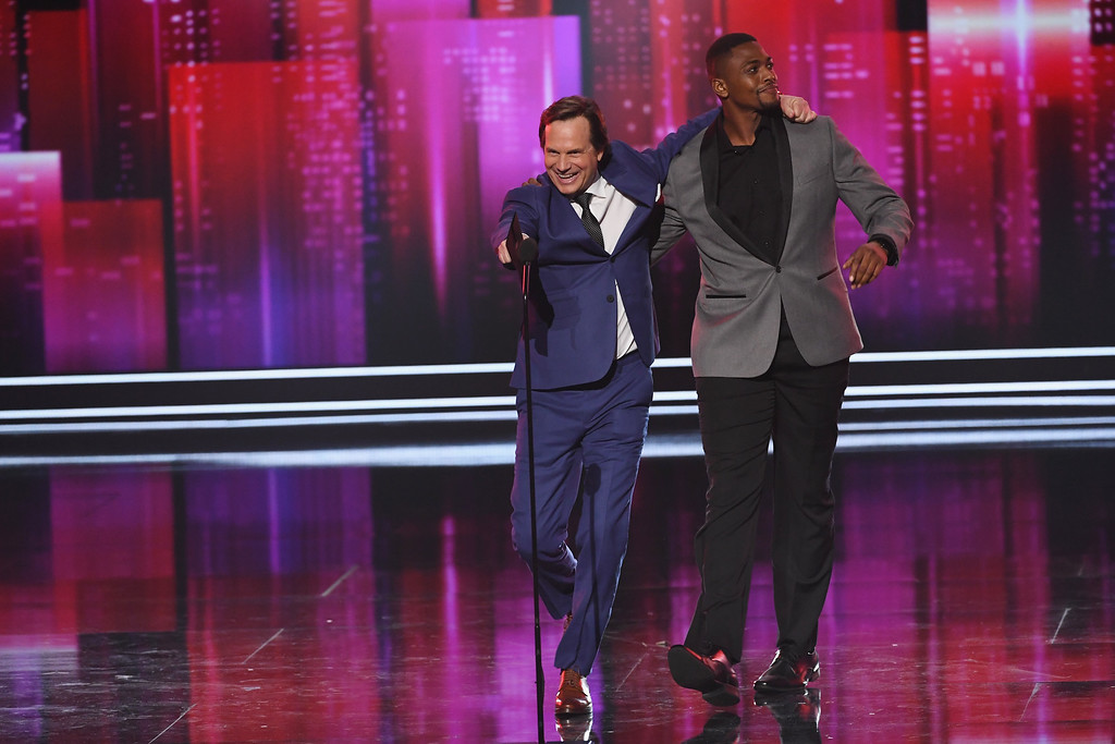 . LOS ANGELES, CA - JANUARY 18:  Actors Bill Paxton (L) and Justin Cornwell speak onstage during the People\'s Choice Awards 2017 at Microsoft Theater on January 18, 2017 in Los Angeles, California.  (Photo by Kevin Winter/Getty Images)