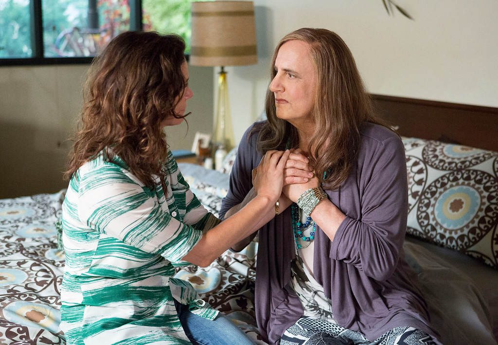 """. In this photo provided by Amazon Studios, Jeffrey Tambor, right, and Amy Landecker appear in a scene from \""""Transparent.\""""   (Beth Dubber/Amazon Studios via AP)"""