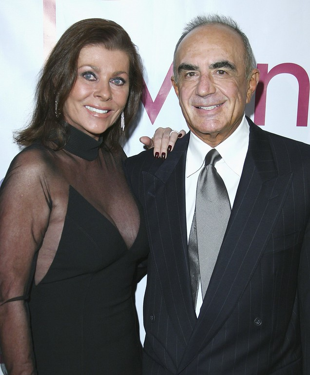 . Linell Shapiro and Robert Shapiro attend an evening with Larry King & friends charity fundraiser at the Beverly Hilton on November 21, 2006 in Beverly Hills, California.  (Photo by Chad Buchanan/Getty Images)