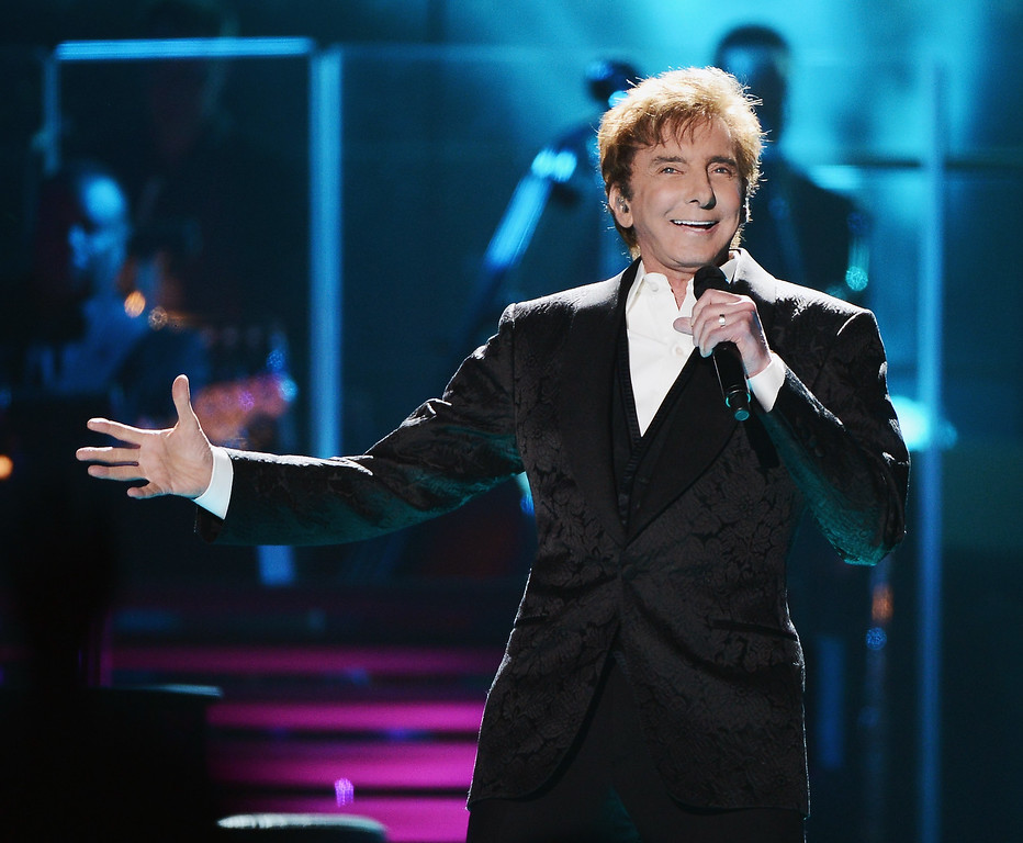 . NEW YORK, NY - JUNE 17:  Barry Manilow performs at Barclays Center of Brooklyn on June 17, 2015 in the Brooklyn borough of New York City.  (Photo by Stephen Lovekin/Getty Images)