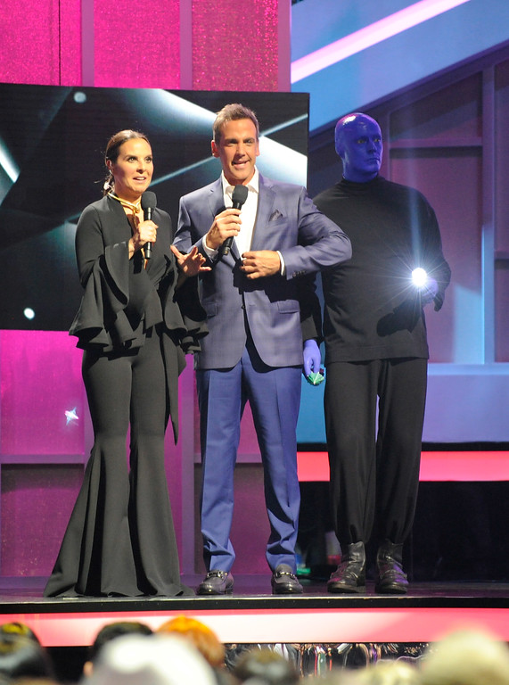 . CORAL GABLES, FL - APRIL 27:  Hosts Kate del Castillo and Carlos Ponce with Blue Man Group onstage at the Billboard Latin Music Awards at Watsco Center on April 27, 2017 in Coral Gables, Florida.  (Photo by Sergi Alexander/Getty Images)