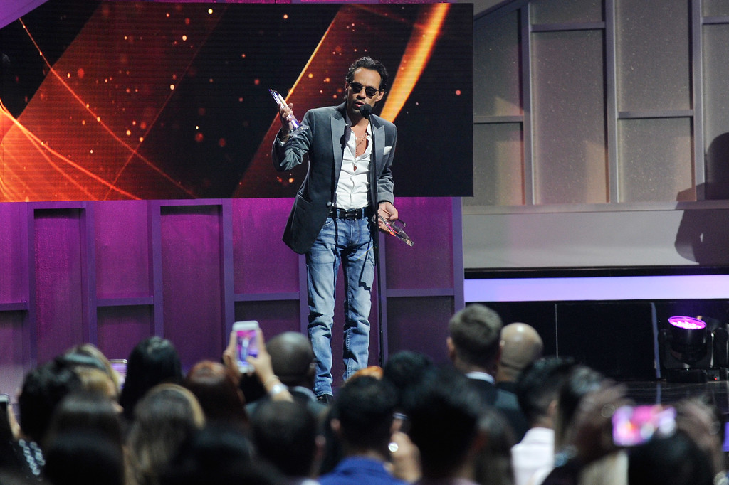 . CORAL GABLES, FL - APRIL 27:  Marc Anthony accepts an award onstage at the Billboard Latin Music Awards at Watsco Center on April 27, 2017 in Coral Gables, Florida.  (Photo by Sergi Alexander/Getty Images)