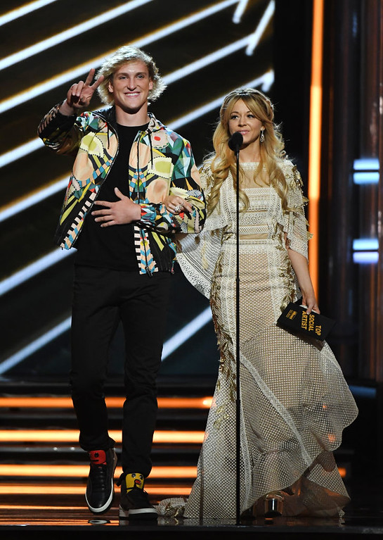 . LAS VEGAS, NV - MAY 21:  Actor Logan Paul (L) and musician Lindsey Stirling speak onstage during the 2017 Billboard Music Awards at T-Mobile Arena on May 21, 2017 in Las Vegas, Nevada.  (Photo by Ethan Miller/Getty Images)