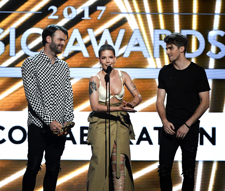 . LAS VEGAS, NV - MAY 21:  (L-R) Musicians Alex Pall of The Chainsmokers, Halsey, and Andrew Taggart of The Chainsmokers accept Top Collaboration for \'Closer\' onstage during the 2017 Billboard Music Awards at T-Mobile Arena on May 21, 2017 in Las Vegas, Nevada.  (Photo by Ethan Miller/Getty Images)