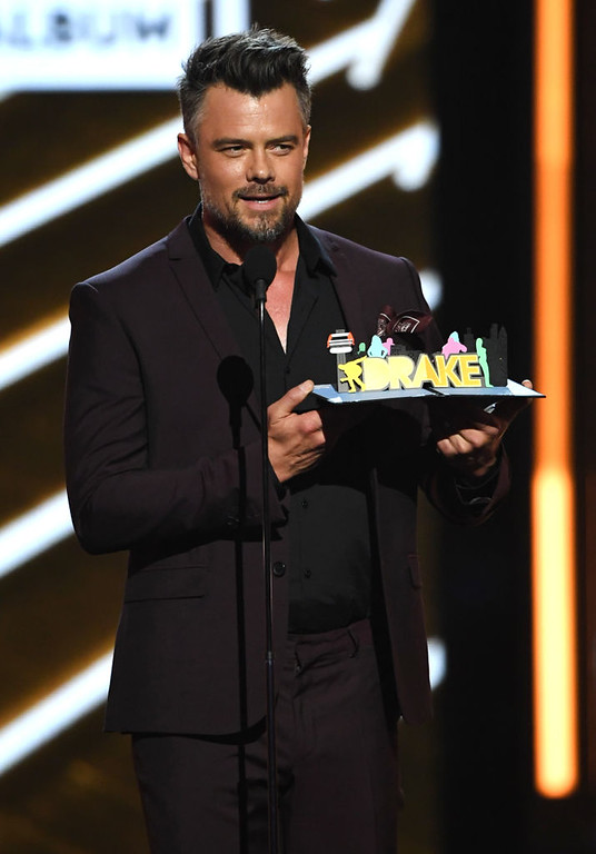 . LAS VEGAS, NV - MAY 21:  Actor Josh Duhamel speaks onstage during the 2017 Billboard Music Awards at T-Mobile Arena on May 21, 2017 in Las Vegas, Nevada.  (Photo by Ethan Miller/Getty Images)