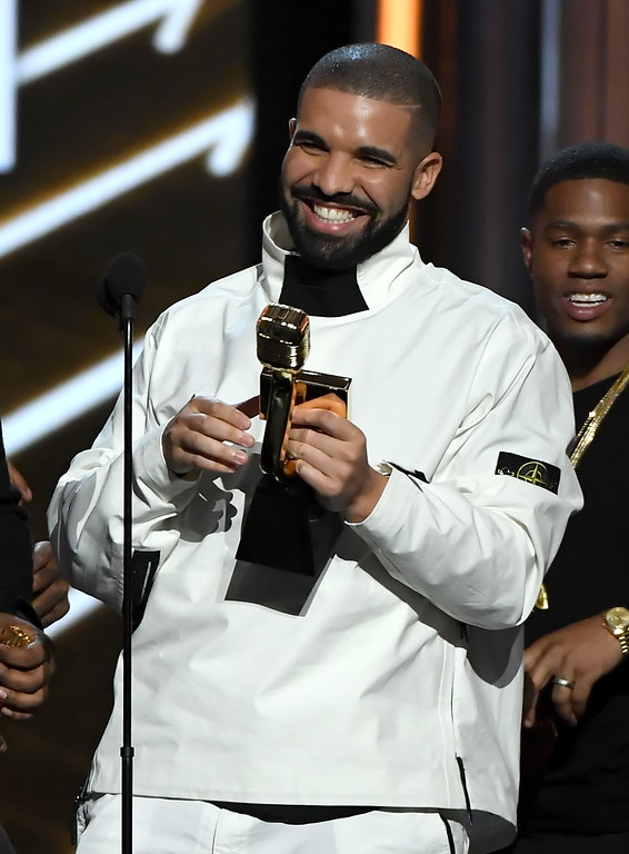 . LAS VEGAS, NV - MAY 21:  Rapper Drake accepts the Top Artist award onstage during the 2017 Billboard Music Awards at T-Mobile Arena on May 21, 2017 in Las Vegas, Nevada.  (Photo by Ethan Miller/Getty Images)