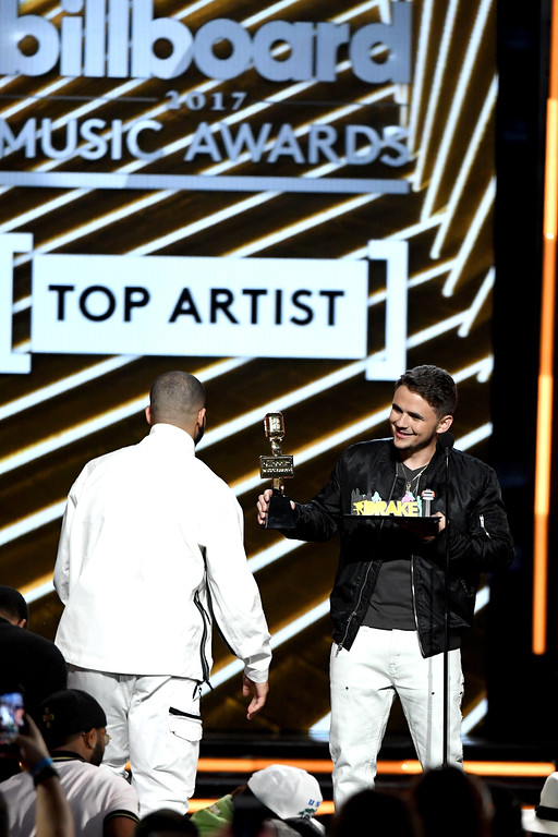 . LAS VEGAS, NV - MAY 21:  Rapper Drake (L) accepts the Top Artist award from Prince Michael Jackson onstage during the 2017 Billboard Music Awards at T-Mobile Arena on May 21, 2017 in Las Vegas, Nevada.  (Photo by Ethan Miller/Getty Images)