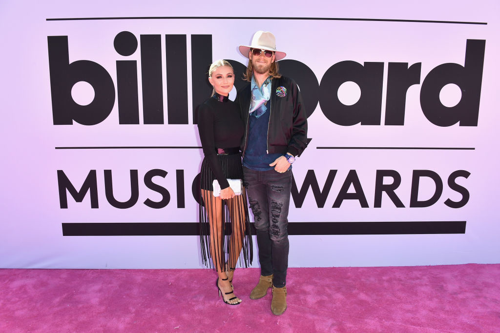 . LAS VEGAS, NV - MAY 21:  Recording artist Brian Kelley (R) of music group Florida Georgia Line and Hayley Stommel attend the 2017 Billboard Music Awards at T-Mobile Arena on May 21, 2017 in Las Vegas, Nevada.  (Photo by Gustavo Caballero/Getty Images )