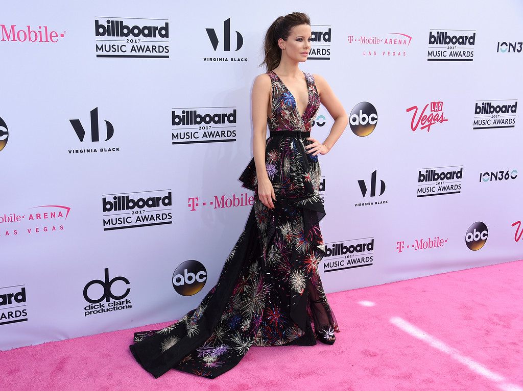 . Kate Beckinsale arrives at the Billboard Music Awards at the T-Mobile Arena on Sunday, May 21, 2017, in Las Vegas. (Photo by Richard Shotwell/Invision/AP)