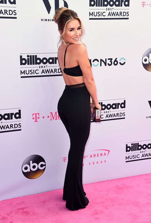 . Jessie James Decker arrives at the Billboard Music Awards at the T-Mobile Arena on Sunday, May 21, 2017, in Las Vegas. (Photo by Richard Shotwell/Invision/AP)