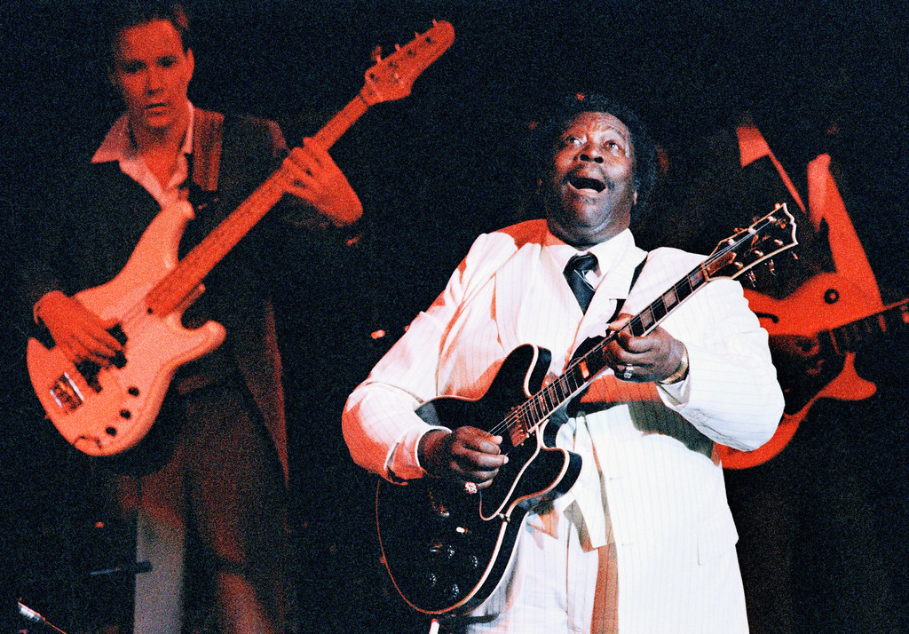 . Jazz guitarist B.B. King performs before an enthusiastic audience, Friday, June 28, 1986 at Avery Fisher Hall in New York. In addition to playing the guitar, King Sang, most often meandering blues like �Ain�t Nobody Home.� (AP Photo/Rick Maiman)