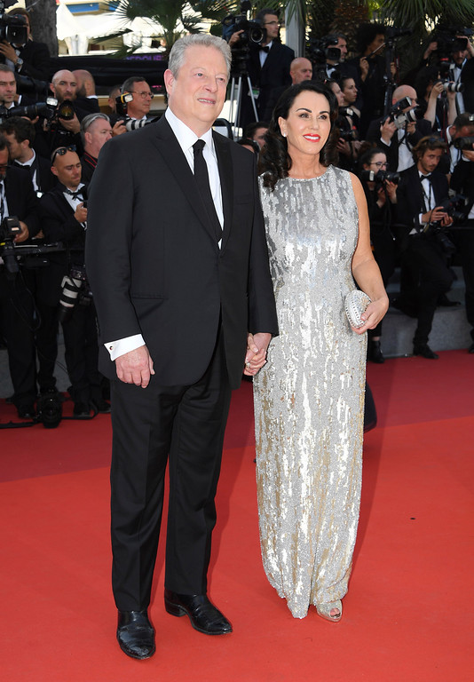 . Former US President Al Gore, left, and Elizabeth Keadle pose for photographers upon arrival at the 70th Anniversary of the film festival, Cannes, southern France, Tuesday, May 23, 2017. (Photo by Arthur Mola/Invision/AP)