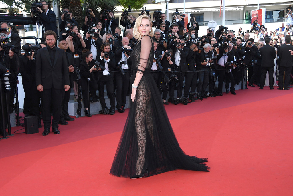 . Actress Charlize Theron poses for photographers upon arrival at the 70th Anniversary of the film festival, Cannes, southern France, Tuesday, May 23, 2017. (Photo by Arthur Mola/Invision/AP)