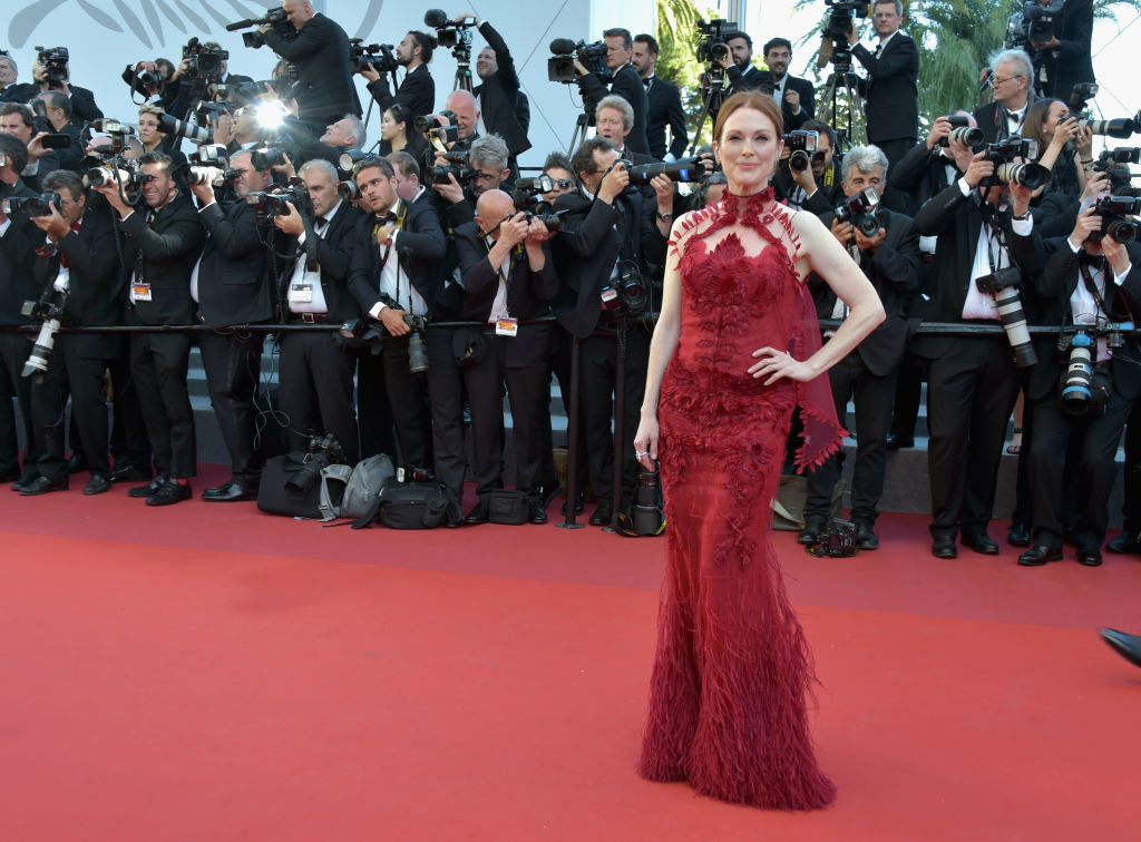 ". CANNES, FRANCE - MAY 17:  Actress Julianne Moore attends the ""Ismael\'s Ghosts (Les Fantomes d\'Ismael)\"" screening and Opening Gala during the 70th annual Cannes Film Festival at Palais des Festivals on May 17, 2017 in Cannes, France.  (Photo by Pascal Le Segretain/Getty Images)"