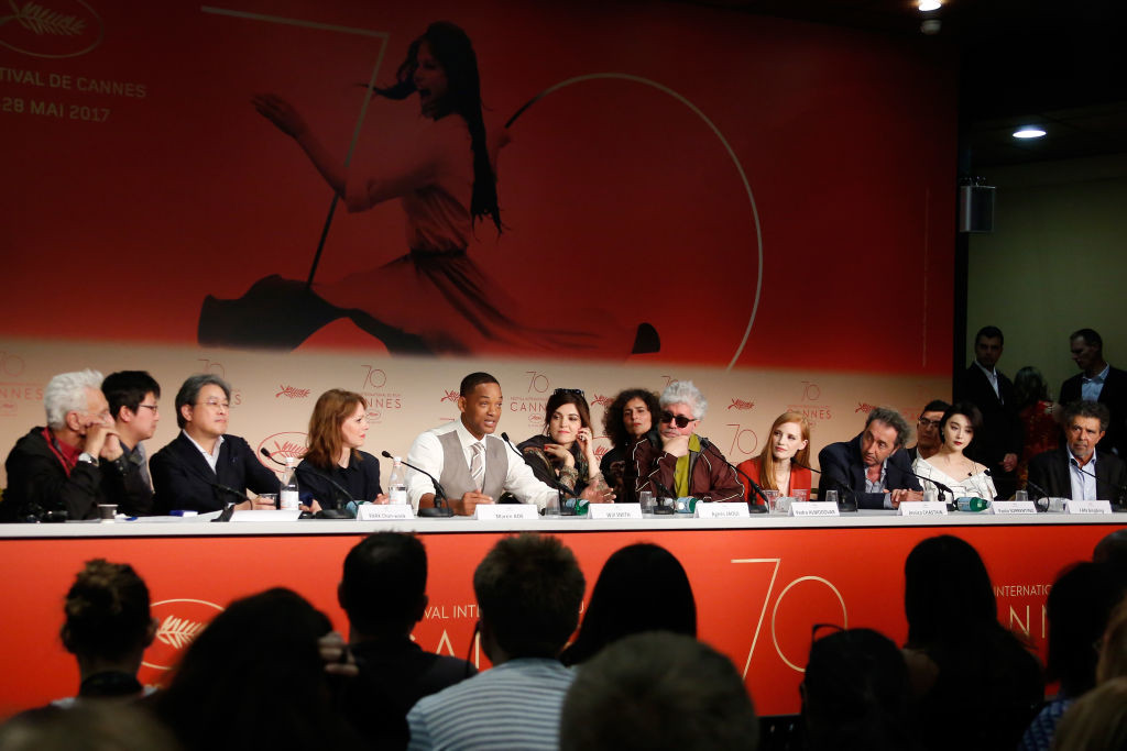 . CANNES, FRANCE - MAY 17:  (3rd-L-R) Jury members Park Chan-wook, Maren Ade, Will Smith, Agnes Jaoui,  President of the jury Pedro Almodovar, and jury members Jessica Chastain, Paolo Sorrentino, Fan Bingbing and Gabriel Yared attend the Jury press conference during the 70th annual Cannes Film Festival at Palais des Festivals on May 17, 2017 in Cannes, France.  (Photo by Pool - Getty Images)